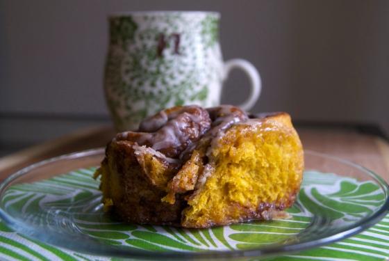 Vegan Pumpkin Cinnamon Rolls (2)