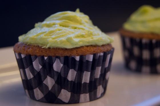 Vanilla on Vanilla Cupcakes(3).jpg