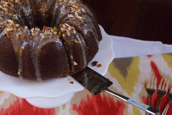 Pumpkin bundt cake with cinnamon glaze | Insatiably